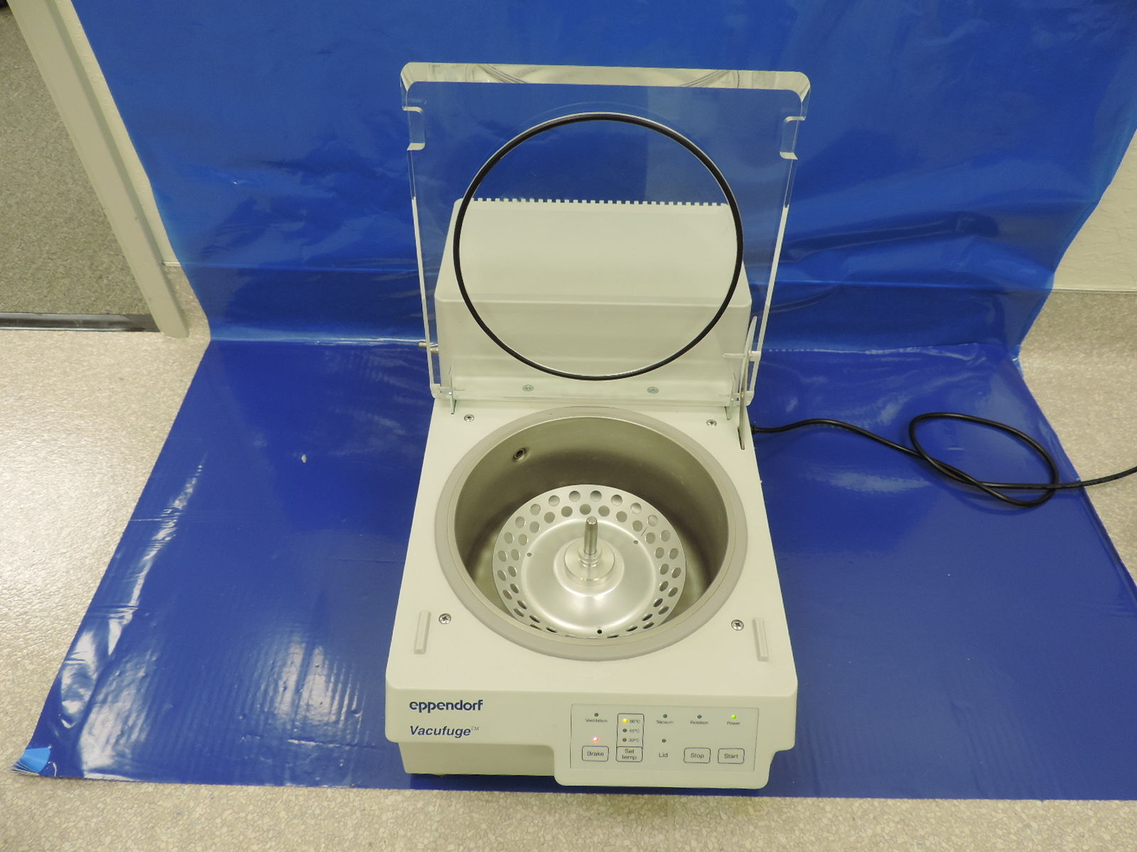 Eppendorf Vacufuge Concentrator 5301