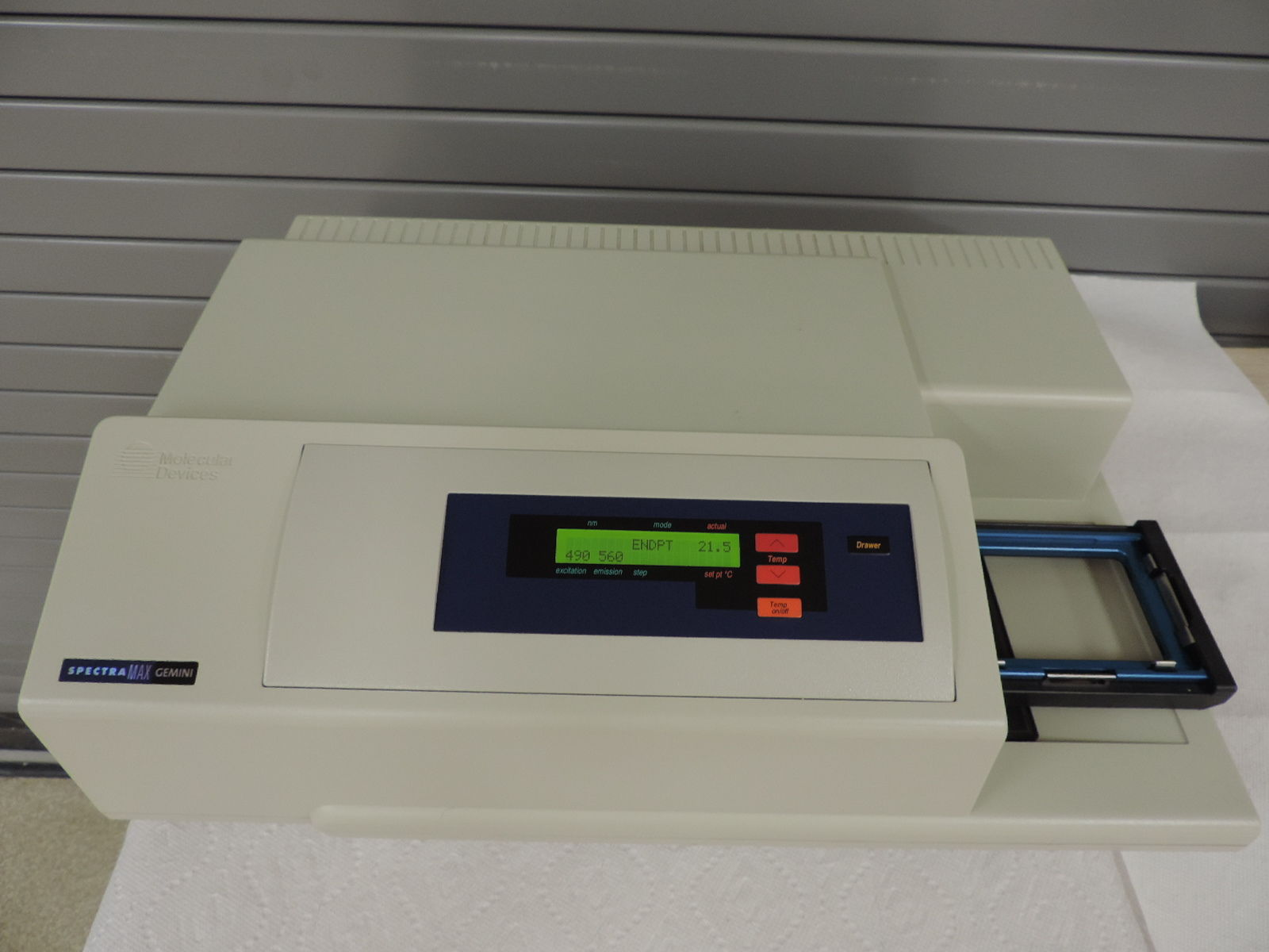 Molecular Devices™ Spectramax Gemini® Microplate Spectrophotometer